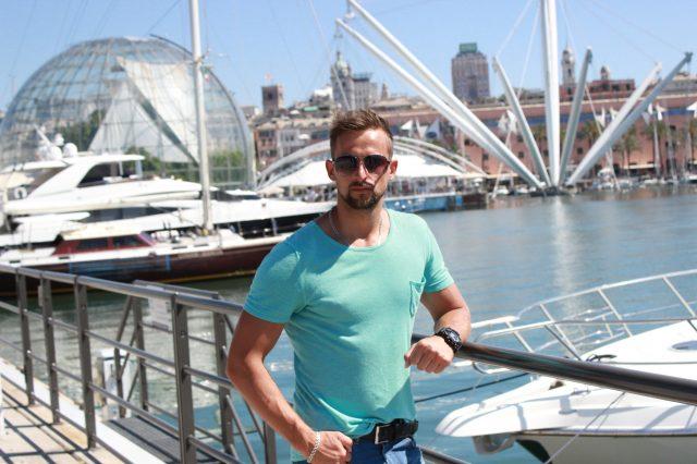 Сергій на прогулянці у місті Genova