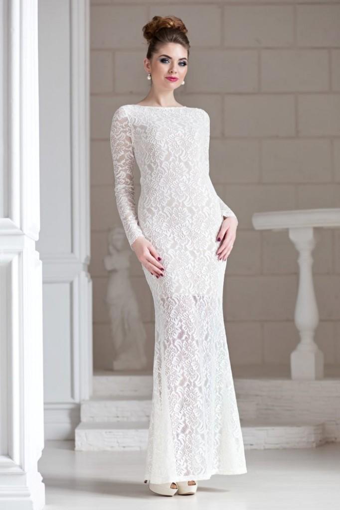 Мереживна довга білу сукня - відмінна знахідка для випускниці-2019