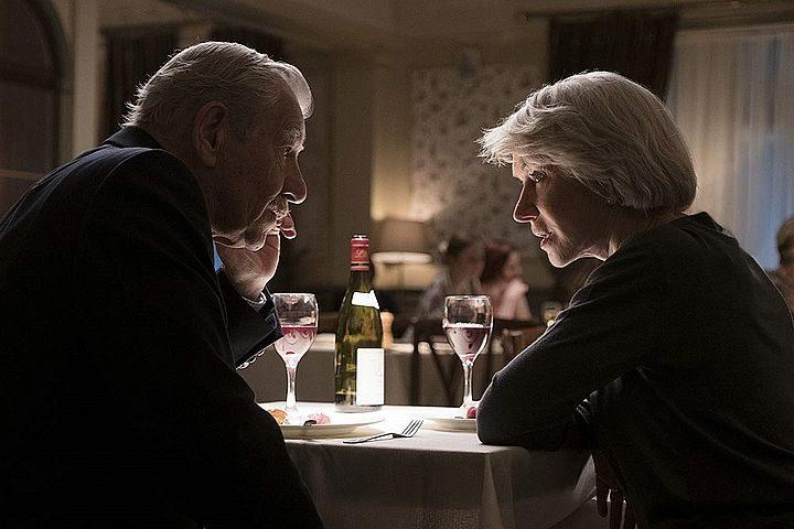 Хелен Міррер та Ієна МакКеллена у фильмі «Хорошій брехун»